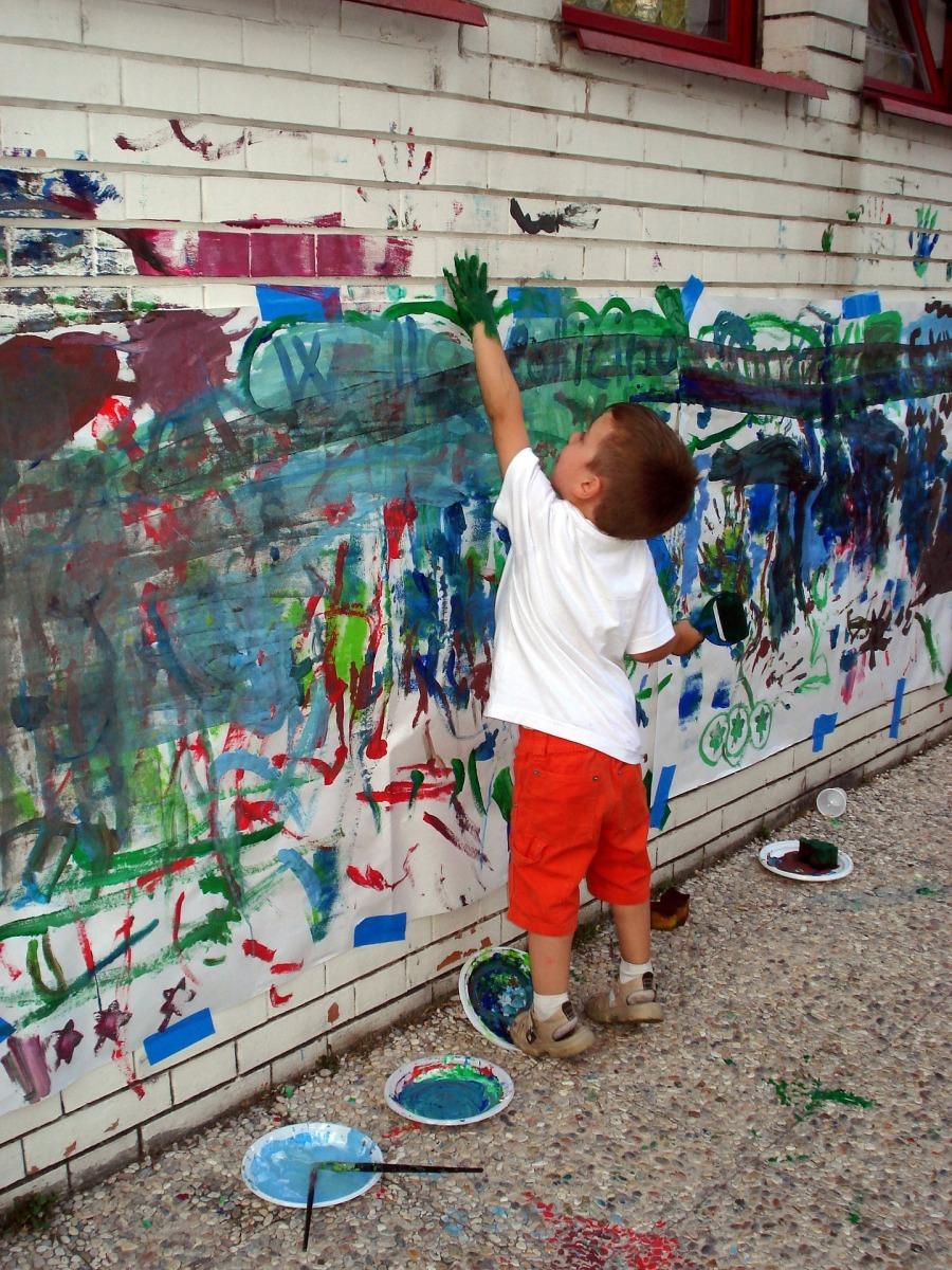 Sobre Romero Britto, crianças e  arte na Educação Infantil: vamos pensar sobre isso?