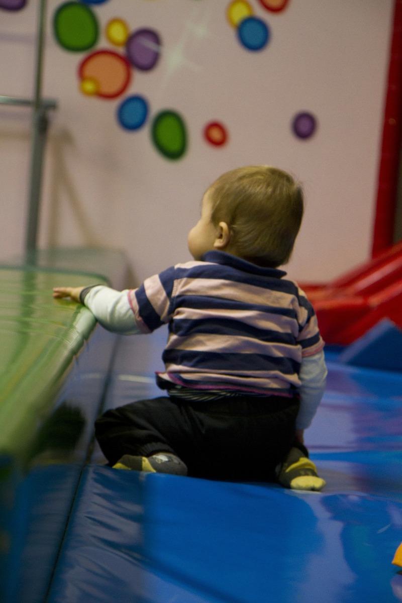 A entrada das crianças na creche ou na pré-escola: quem se adapta a quem?